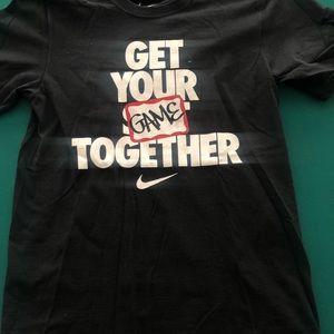Nike Men's small tshirt